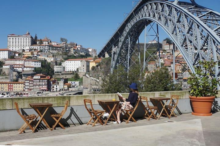 Porto View 0A: STUDIO Apartment