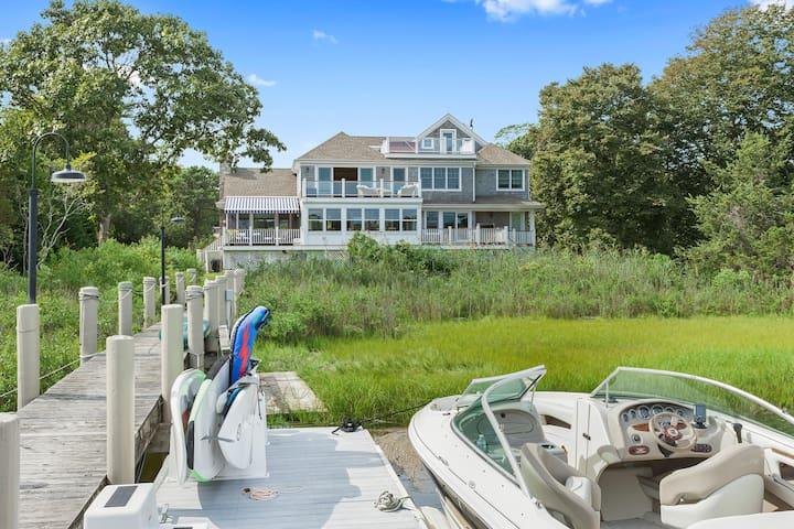 Hampton's Waterfront Retreat