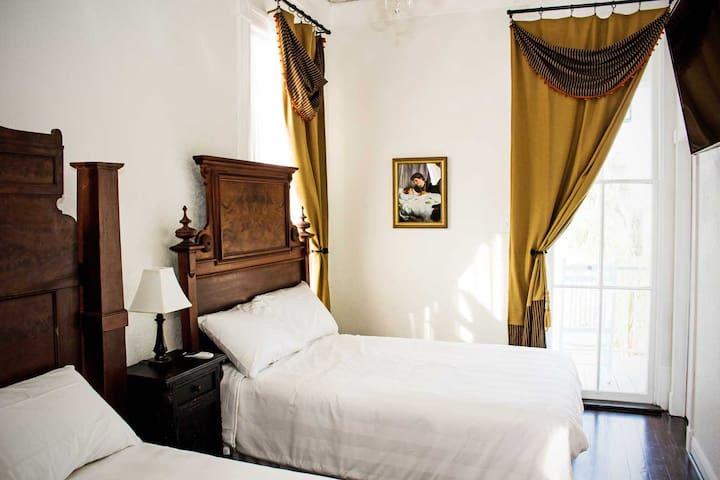 Stuttgart Room (Schaefer Guest Haus)--Near Strand
