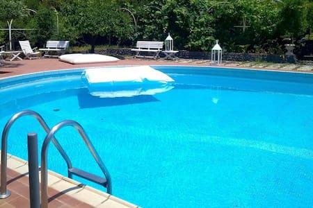 Depandance in Castello con piscina