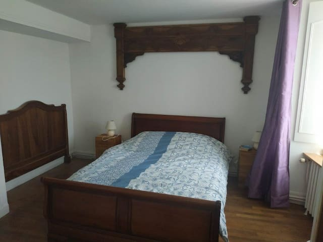 chambre 2 (1er étage)