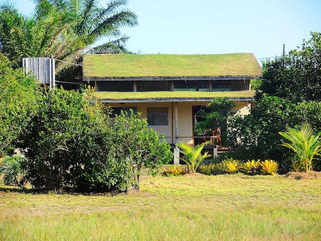 Bamboo House in Algodões - Maraú - Huis