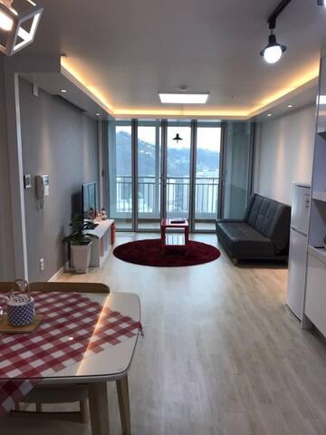 Nice view high apt beside mountain - 서대문구 현저동 - Apartment
