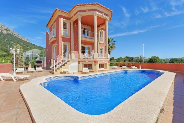 Villa Estacion