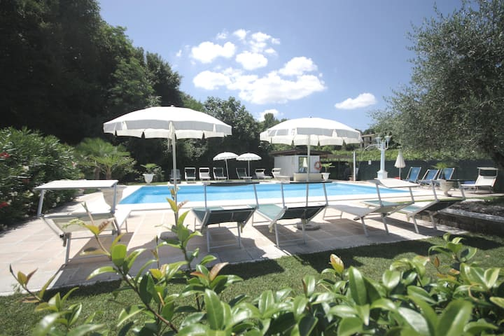 Residence Garda Valtensi 8 - Pool and lake view