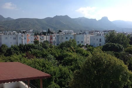 2 bedroom flat with good views and location - Girne - Apartment