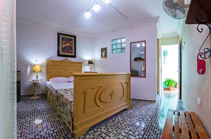 Habitación Doble Matrimonial, Hostal el Talismán