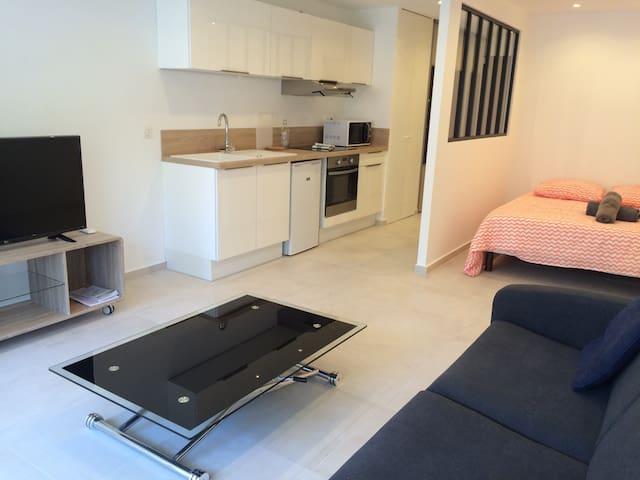 Appartement neuf à 100m des plages