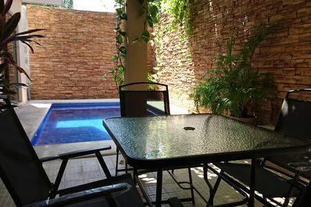 Luka, Downtown room, AC & Pool - Cancún