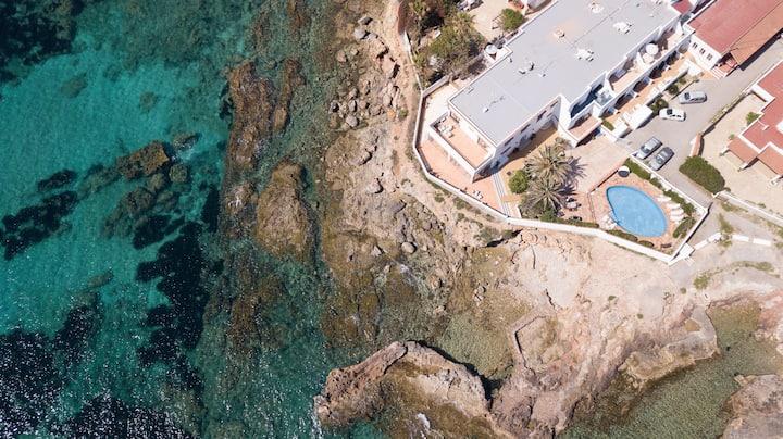 Fantástico apartamento junto al mar con aire acondicionado, Wi-Fi, piscina y terraza