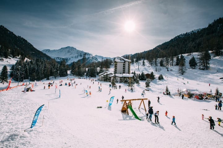 Ski-in/Ski-out in the heart of the 4 Valleys