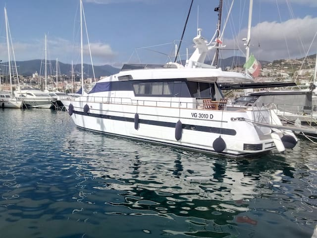 Yacht San Lorenzo 72 Wadoro2