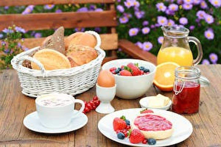 Herzhaftes Frühstück nach Wahl