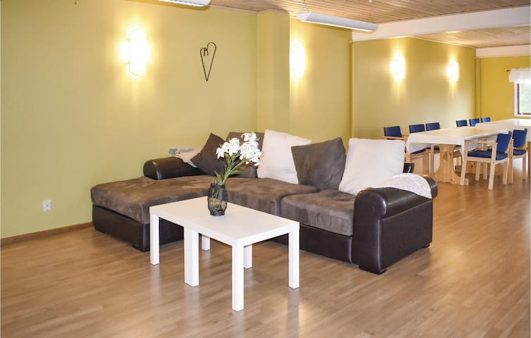 Holiday apartment with 4 bedrooms on 250m² in Finspång