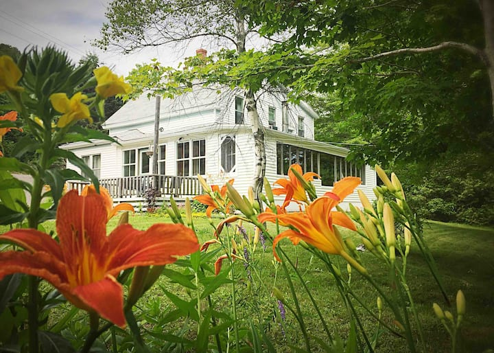 Lakeview Cottage - Quarintine Rates Available -