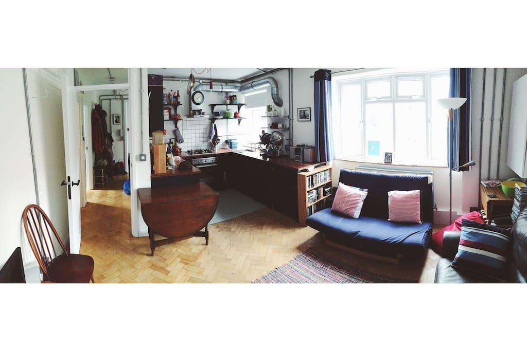 Kitchen/Lounge Panorama