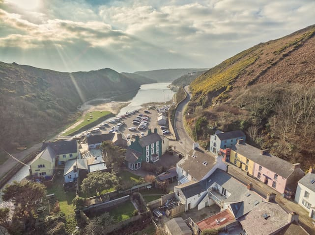 Solva Harbour from up the valley