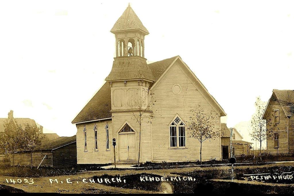Picture of the building est. 1881