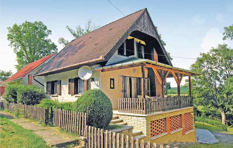 Holiday cottage with 4 bedrooms on 100 m² in Magyarhertelend
