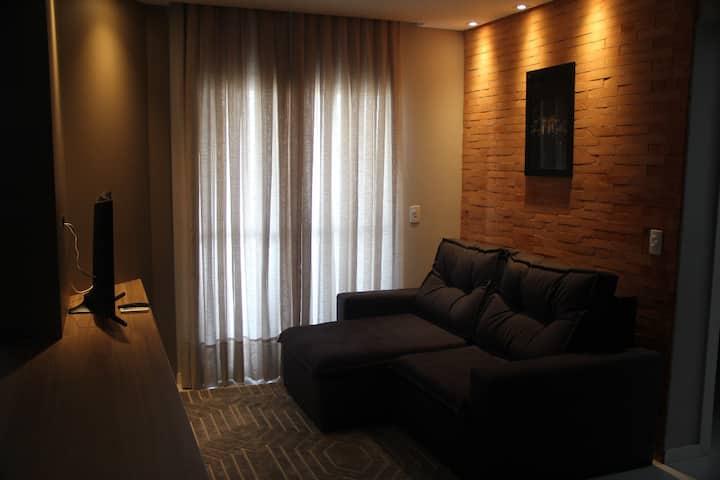 Apartamento muito moderno, limpo e aconchegante.
