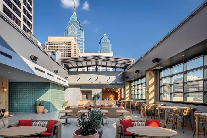 Pod Philly Hotel