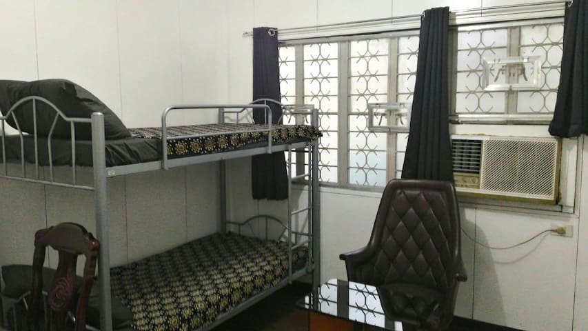 1BR(#1) in a quiet & safe place near UP, Maginhawa - Quezon City - Casa