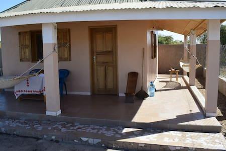 Peacefull house by the river Saloum