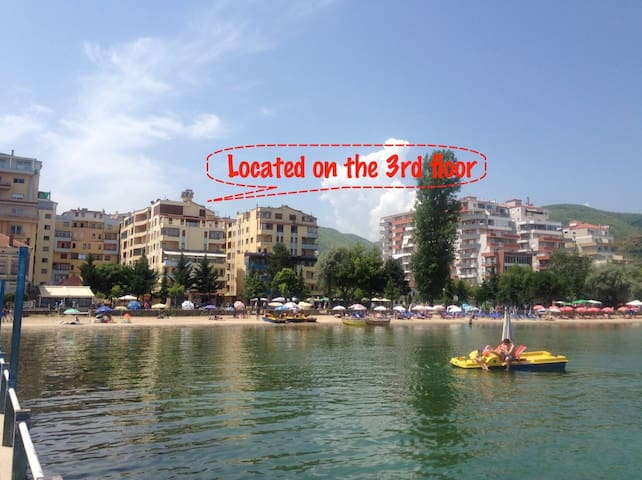 Cozy Apartment with Lake View + Parking & WiFi - Pogradec - Lägenhet