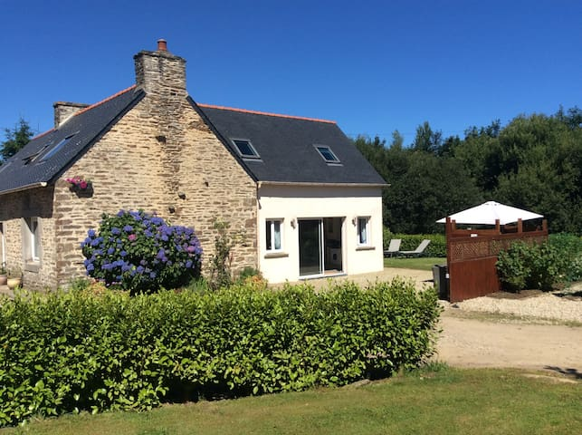 Entire home near Lesneven - Lanhouarneau - Huis