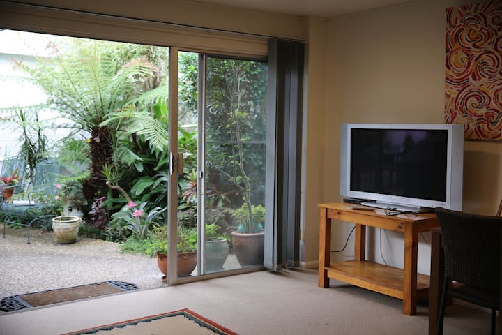 1 Bedroom Garden Apartment - Killarney Heights - Lejlighed