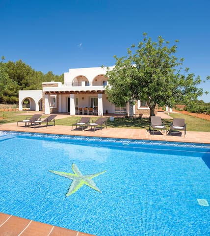 ES CASALS NOU VILLA IN IBIZA SPECTACULAR LOCATION!