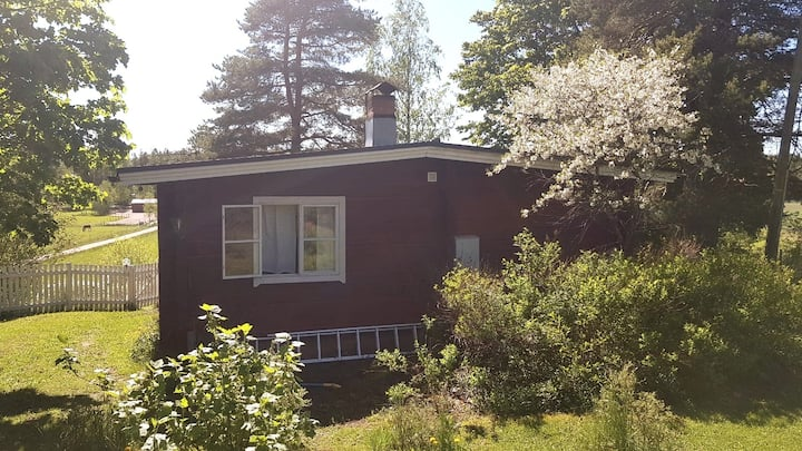 Cozy Lönneberga cottage, 45 mins from Helsinki
