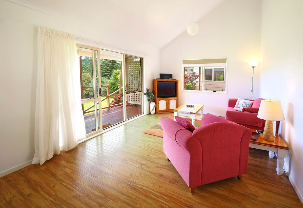 One bedroom self contained cottage villas for rent in for Villas xanthe