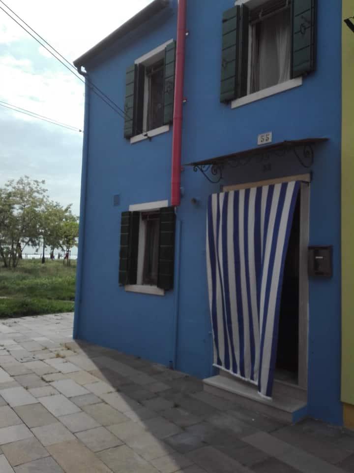 Casa Blu a Burano, Venezia