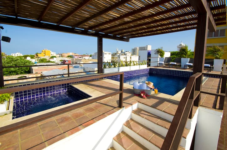 NEW!Mansion 11BR w/swimming pool, jacuzzi