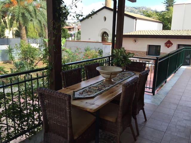 Villa Marico` dove splende il sole - Palermo