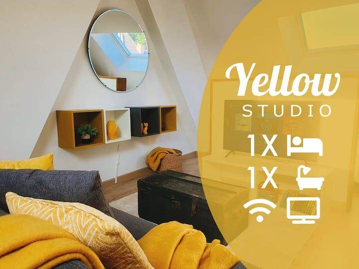 Yellow Studio / Top position √