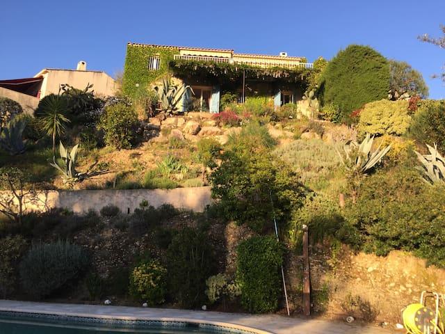 Superb villa panoramic view pool & spa