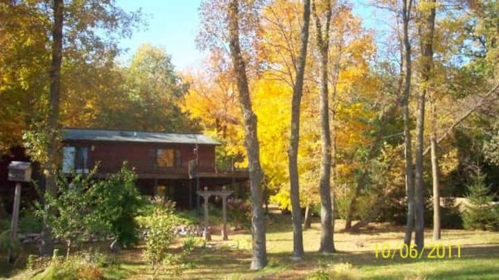 2br - 2000ft2 - Furnished private lake home