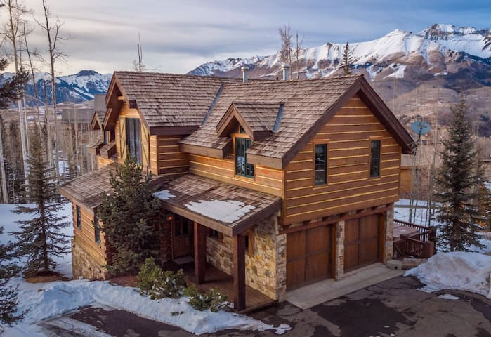 Stunning Mountain Home with No Shortage of Eye Candy Inside & Out