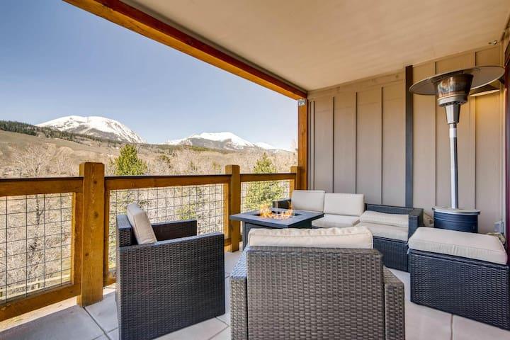 Luxury 3BR Penthouse+Rooftop Deck+Blue River+Views