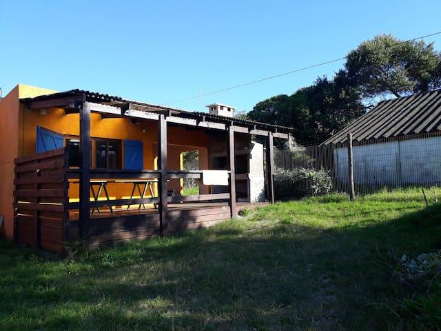 "Casa ""La Tuya"" en Costa Azul Rocha."