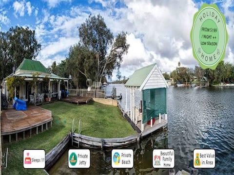 Mandurah Riverfront Holiday Rental - Own Mooring