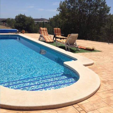 VILLA AVEC PISCINE A LA CAMPAGNE - Alicante - Haus
