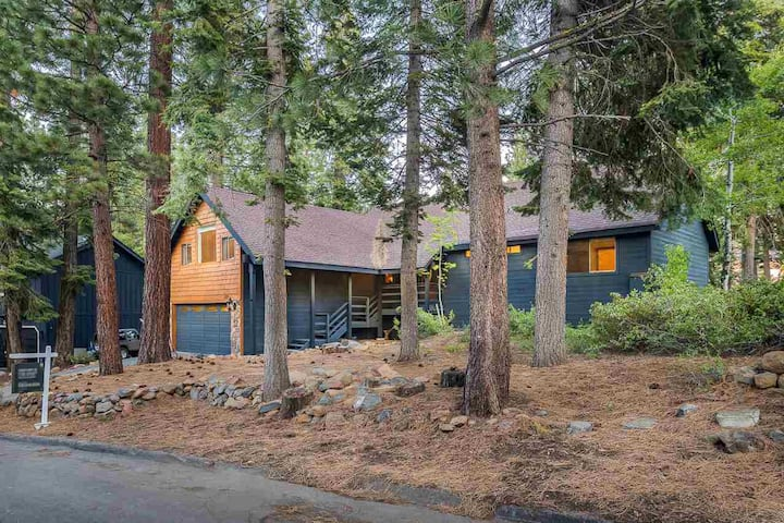 Lovely Tahoe Vista Home with Lake Views & Hot Tub