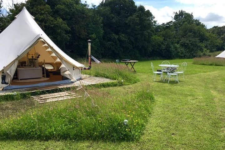 Luxury Glamping - Queen of Hearts Bell tent - Oxford