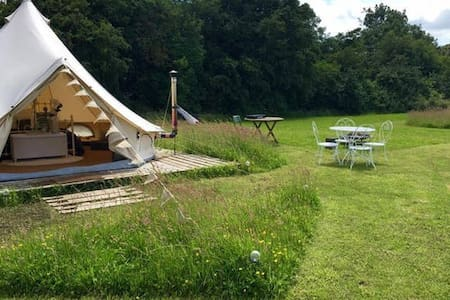 Luxury Glamping - Queen of Hearts Bell tent - Oxford - Barraca