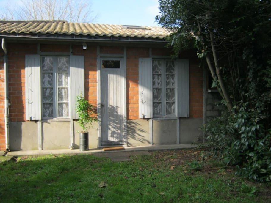 Studio ind pendant sur grand jardin maisons louer for Studio louer bordeaux