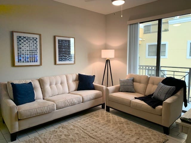 Exclusive Dadeland condo 2 bedroom with great amenities!, RentalType