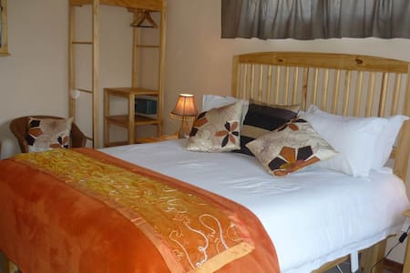 Colesview Guest House - Colesberg - Bed & Breakfast